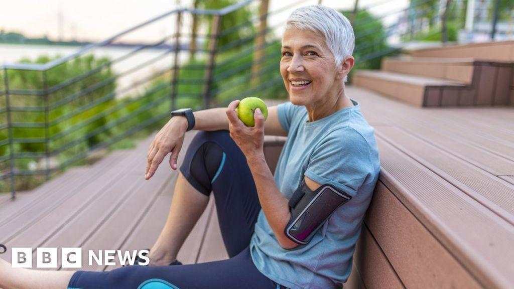 Healthy habits 'deliver extra disease-free decade' thumbnail