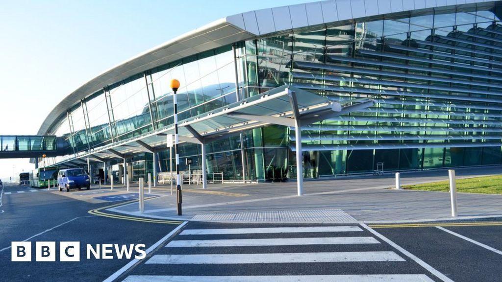 Dublin Airport: 4,000 people 'lost' their car - BBC News