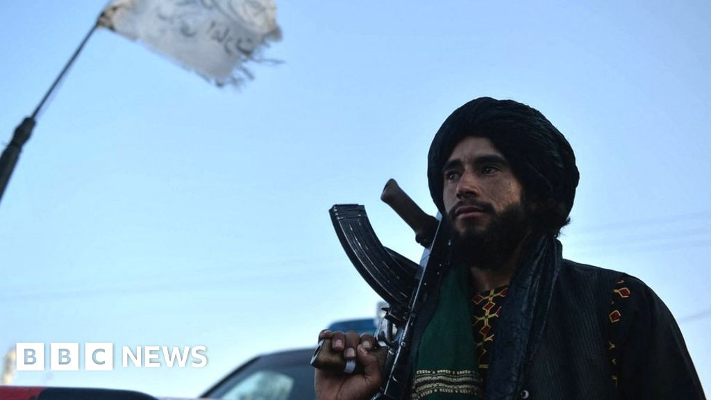 Afghanistan: Social media users delete profiles over fear of attack