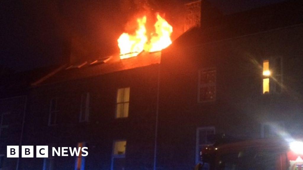 Firefighters tackle roof blaze in Aberdeen tenement