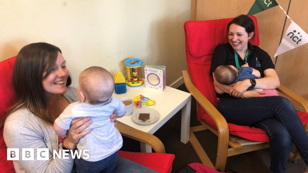 Eight in 10 mums breastfeed in the Lothians - BBC News