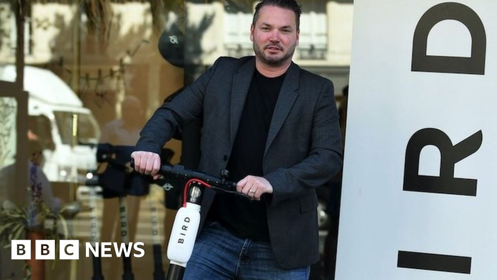 Coronavirus: Start-ups use Zoom app to lay off staff - bbc