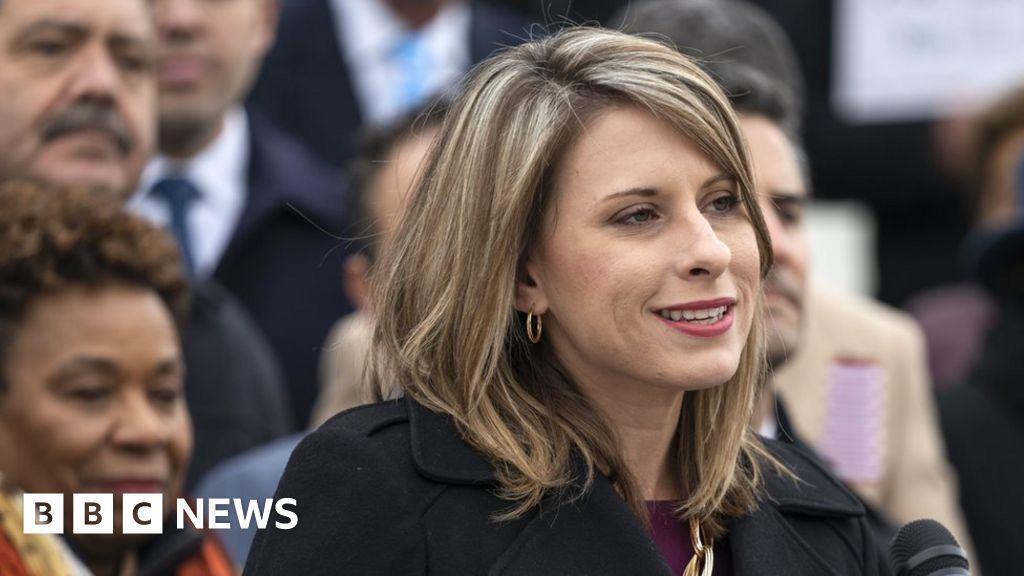 Katie Hill: US congresswoman resigns amid affair allegations thumbnail