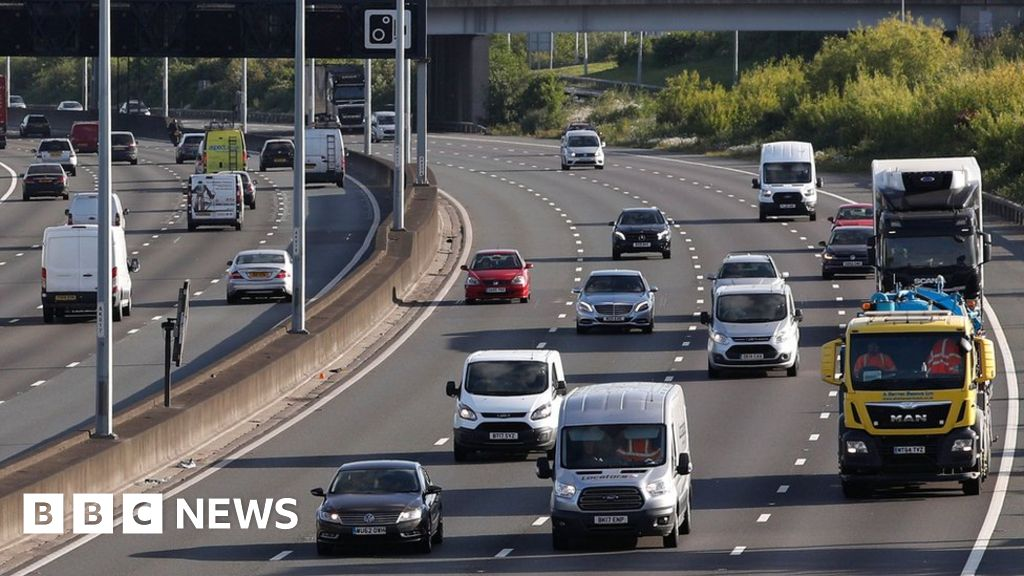 Motorways to trial 60mph limits to cut pollution