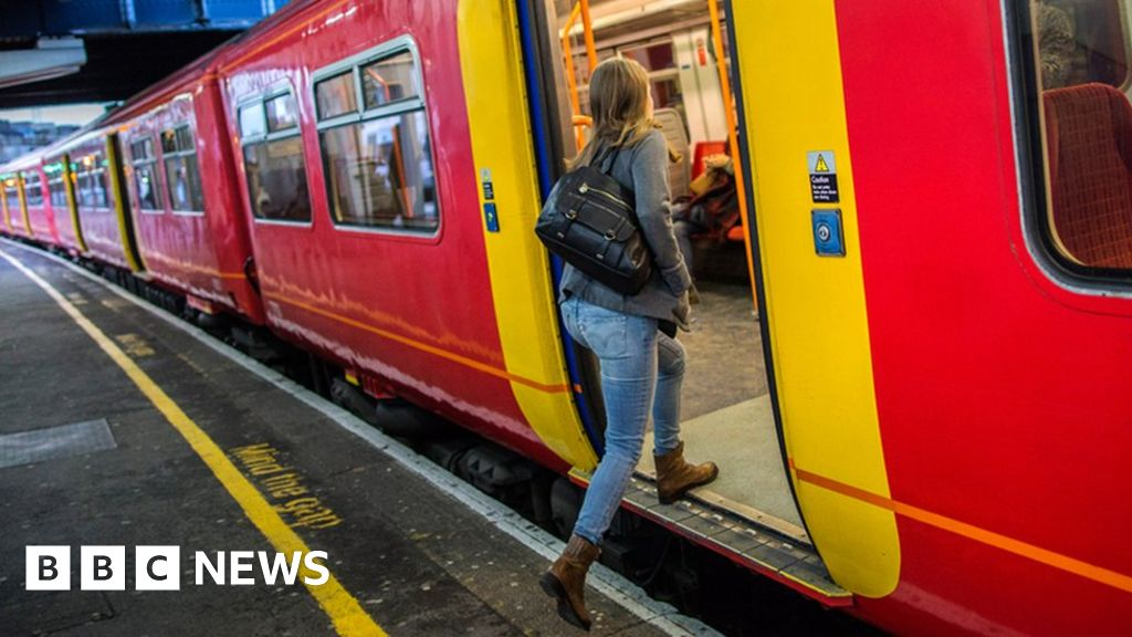 General election 2019: Labour plans central train ticket bookings