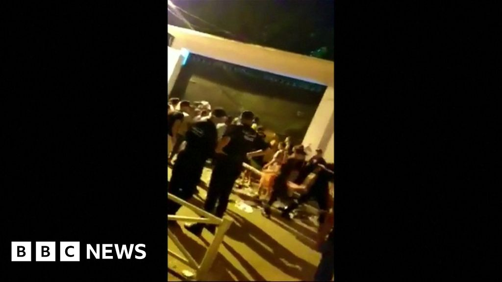 Soolking: Stampede at Algeria rap concert 'kills at least five' - BBC News