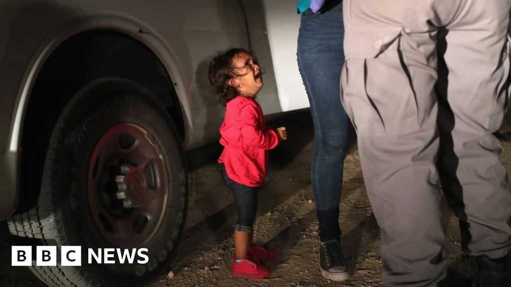 Child migrant photo 'not what it seemed'