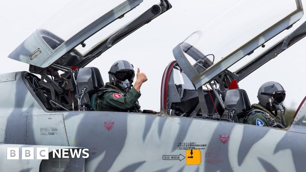Taiwan air force chief joins F-5 test flight after fatal crash