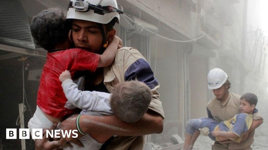 102641347 mediaitem102641344 - Israel evacuates'Syrian White Helmets'