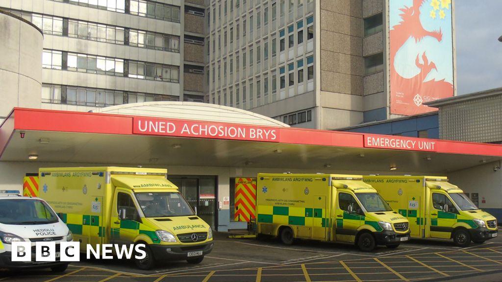 Covid: Cardiff health board plea for critical care help