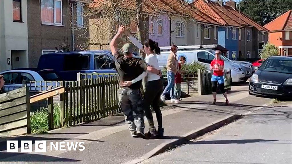 Coronavirus: Woodbridge residents don t have daily social distancing dance