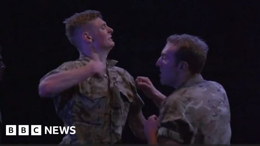 Soldier ballet 'reflects army life'