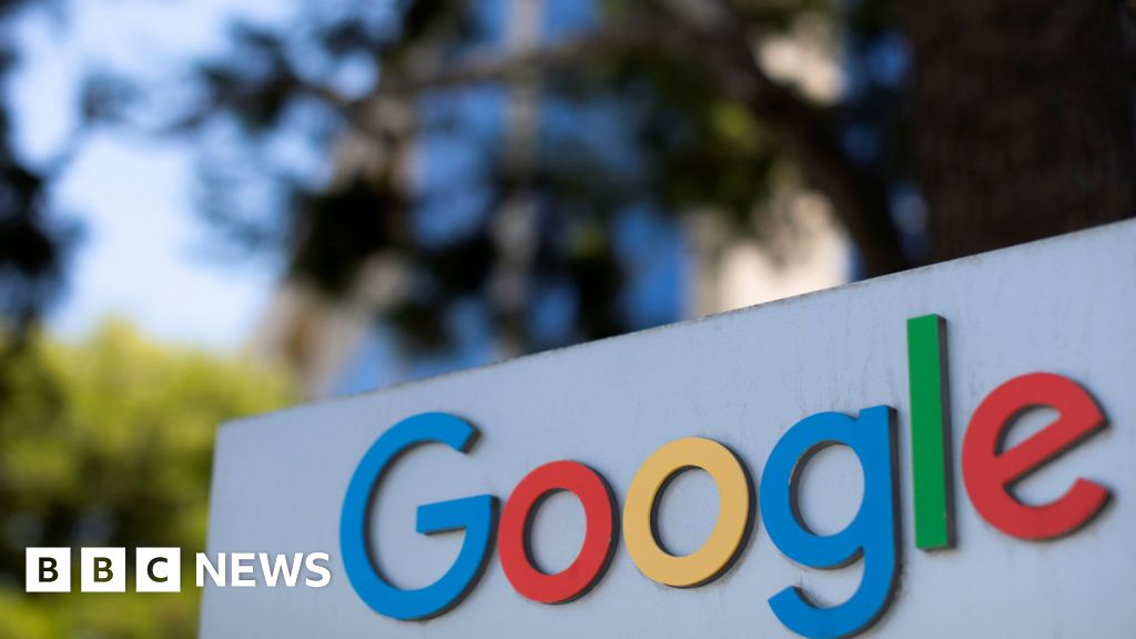 Google hit by antitrust charges in US over search - bbc