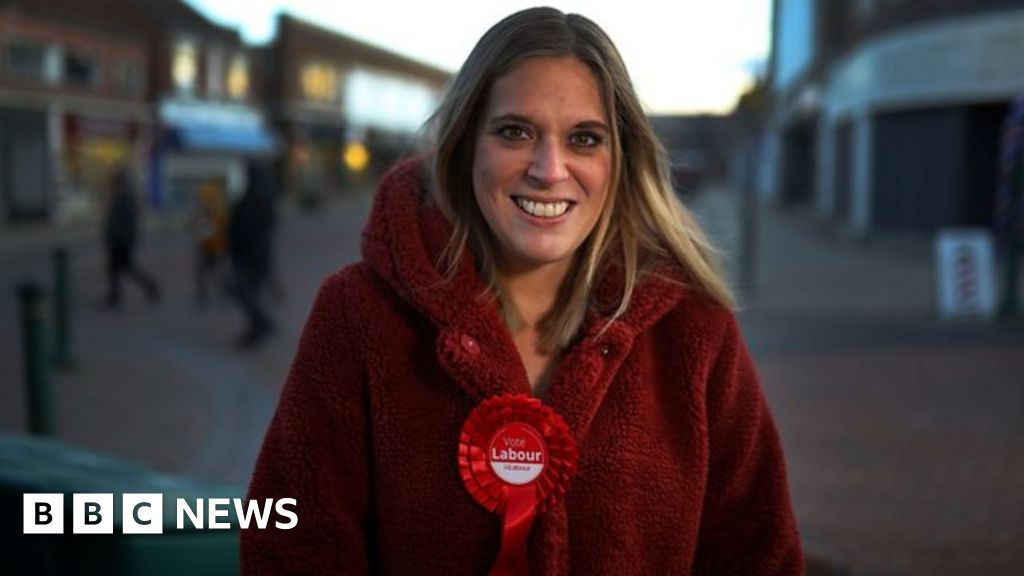 Former Labour MP 'not ashamed' by Jobcentre visit