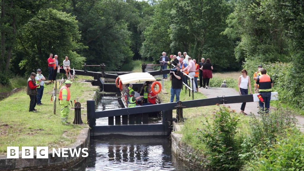 first boat since 1926 to pass restored cwmbran lock bbc news. Black Bedroom Furniture Sets. Home Design Ideas