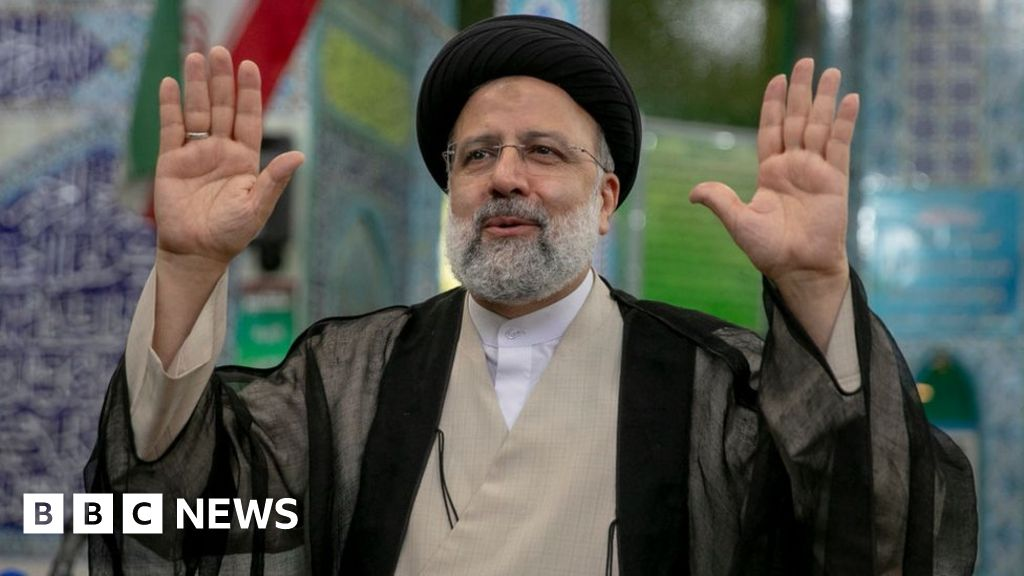 Iran election: Hardliner Raisi set to win in first round