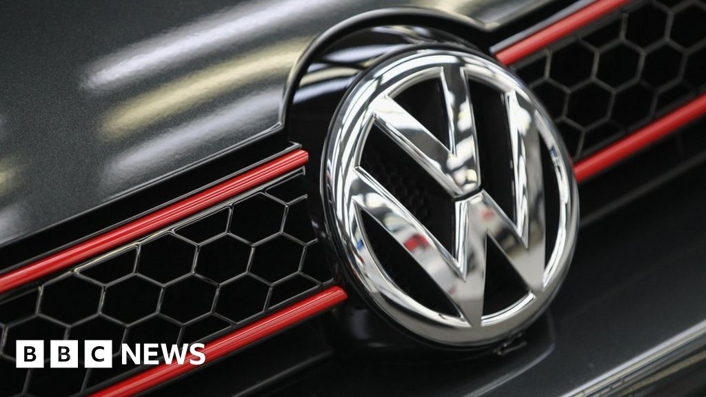 Diesel emissions scandal: VW fined €1bn by German prosecutors