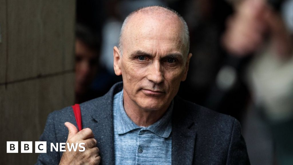 MP let back into Labour after anti-Semitism row