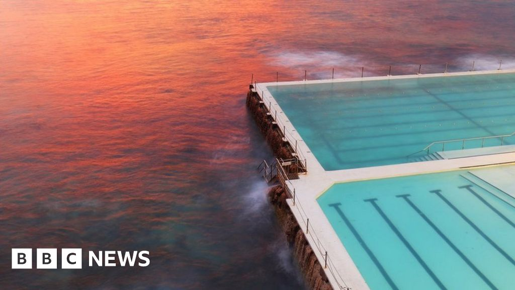 How Sydney\'s pools became the envy of the world - BBC News