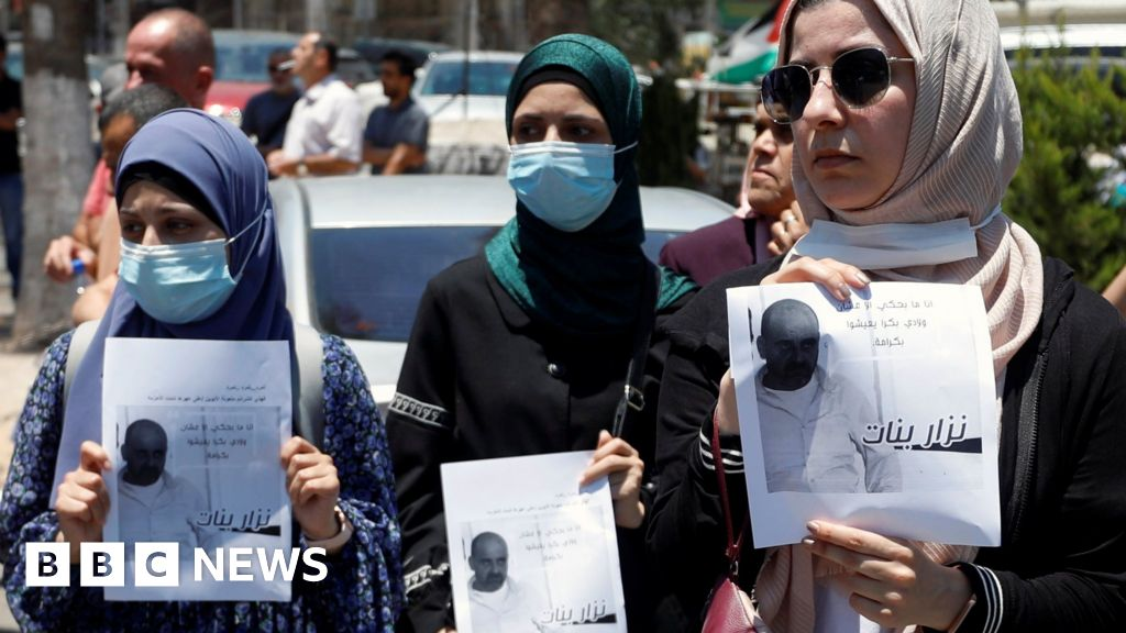 Activist critical of Palestinian Authority dies after arrest
