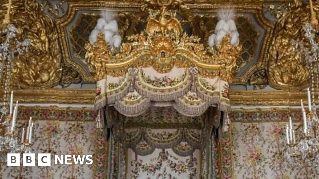 Strange Marie Antoinettes Versailles Apartments On Display Bbc News Interior Design Ideas Apansoteloinfo