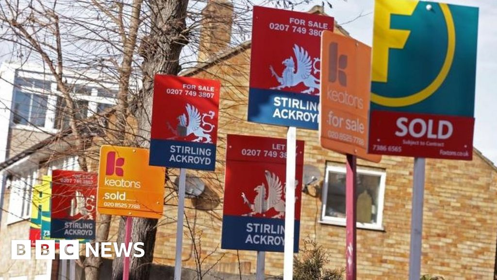 House price growth of over 1% for the first time in a year, nationwide says