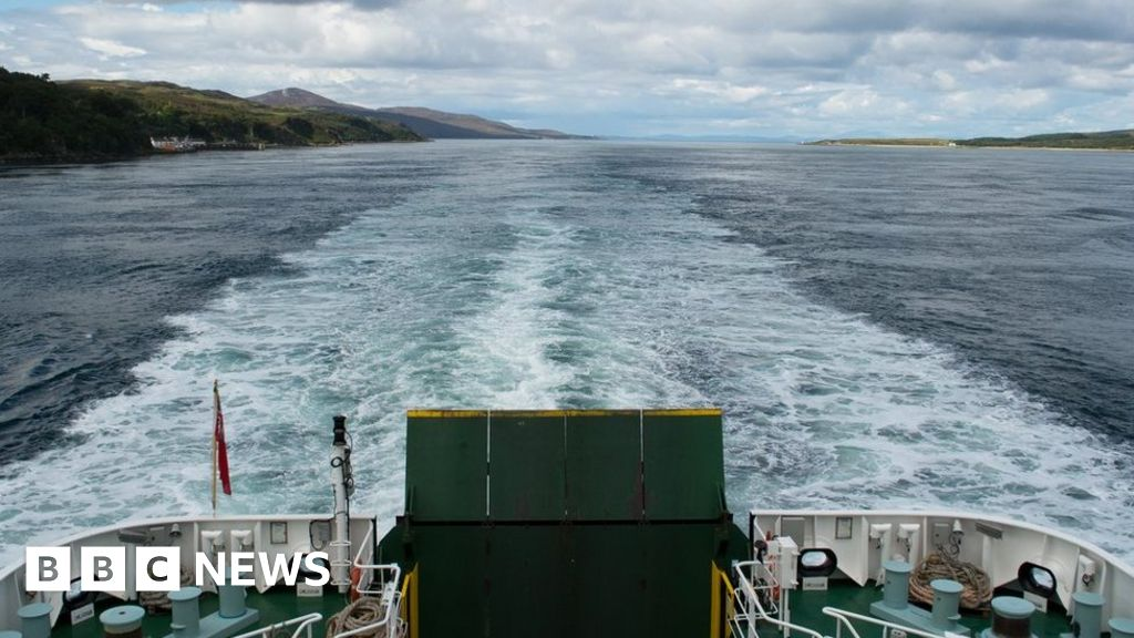 Police help tackle non-essential ferry travel thumbnail