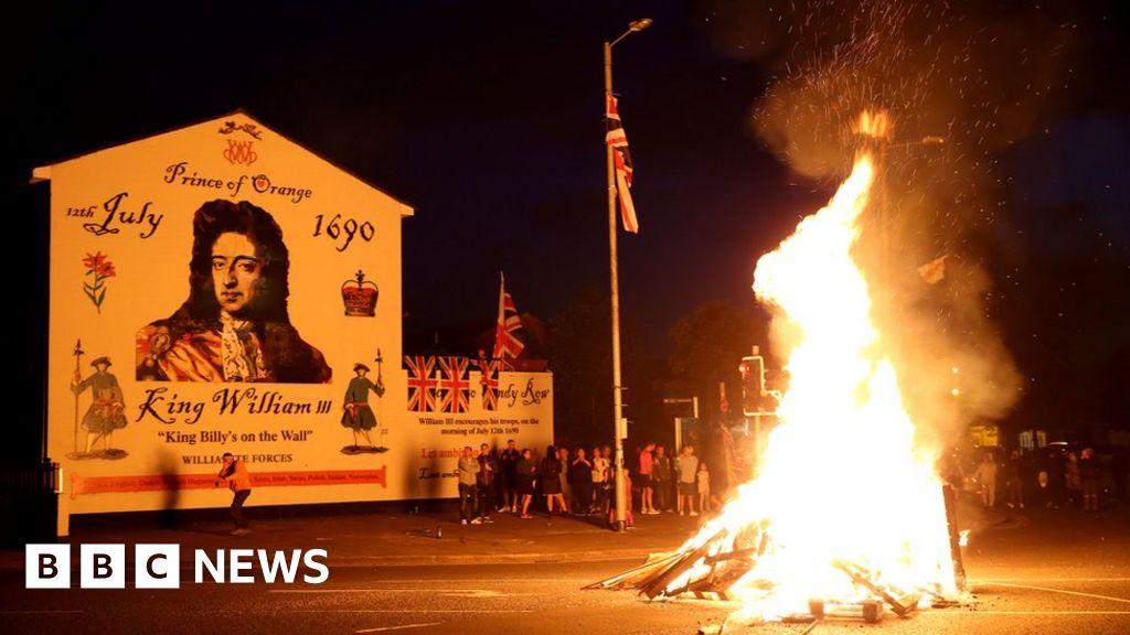Bonfires lit to mark Eleventh Night thumbnail