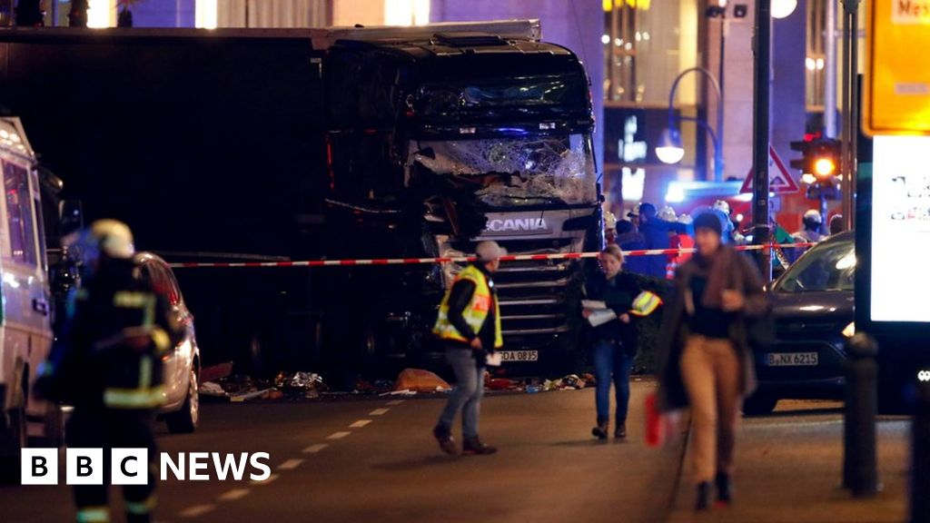 Berlin attack: First aider dies 5 years after Christmas market murders