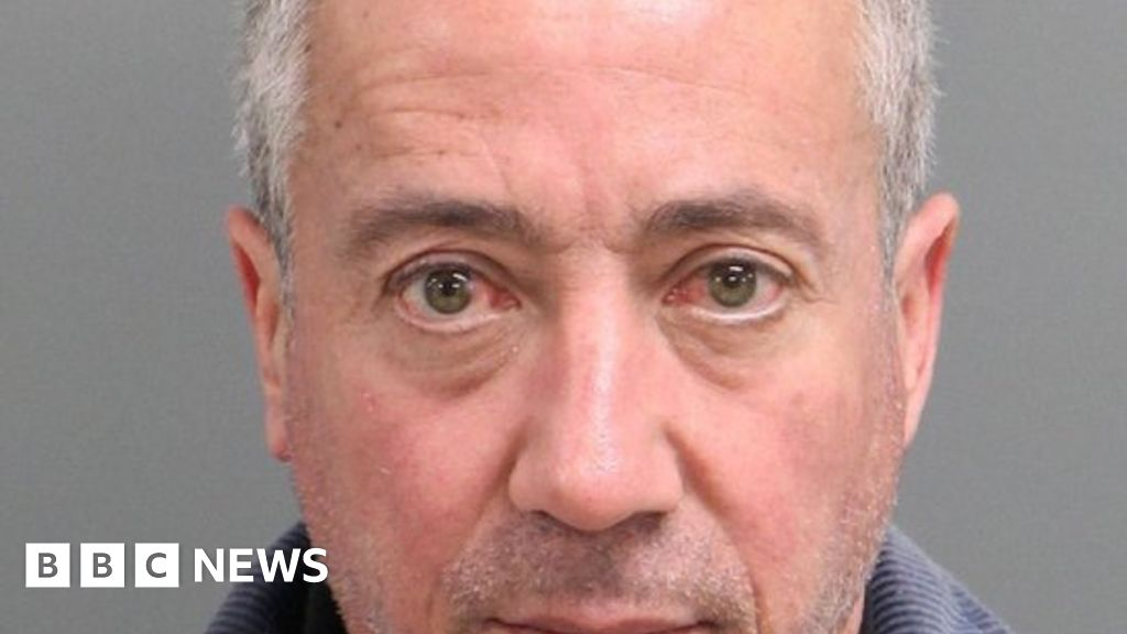 Man 'posed as US general to impress date'
