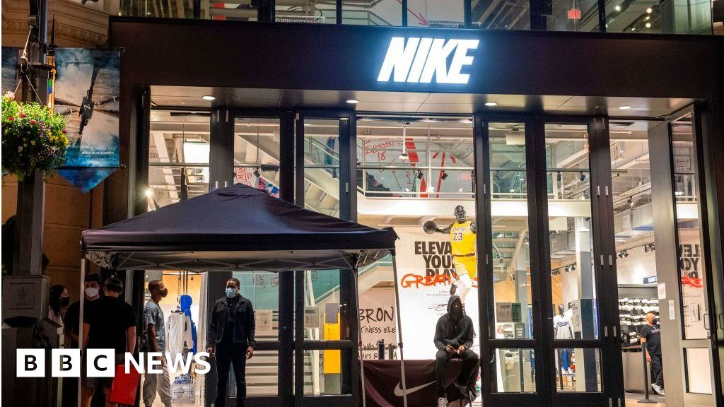Nike exec quits after son's trainer resale firm revealed