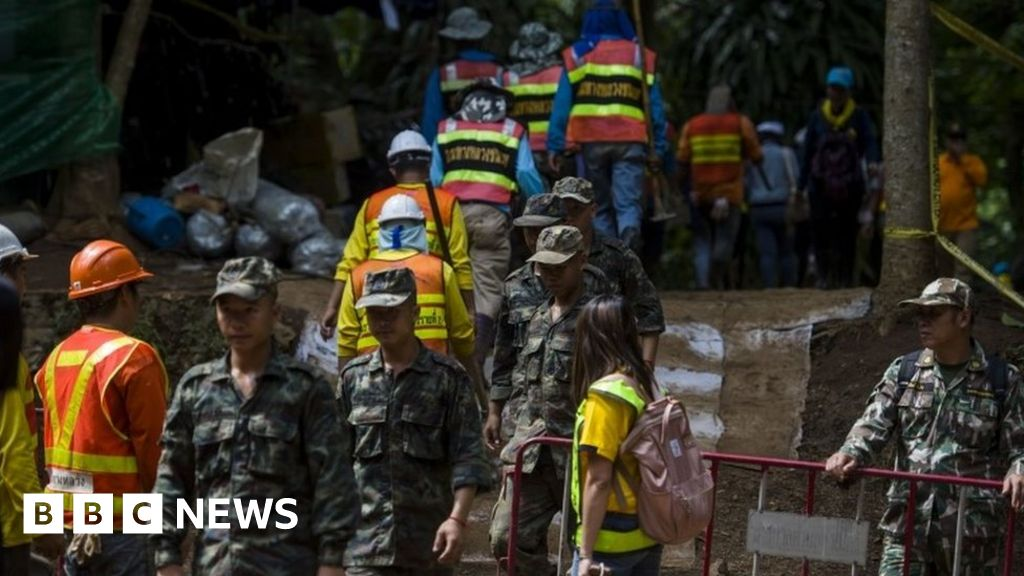 Diver dies in Thailand cave rescue attempt