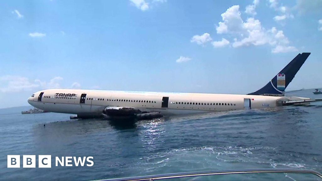 Turkish Airbus plane sunk for diving tourism thumbnail
