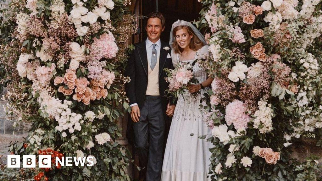 Princess Beatrice And Edoardo Mapelli Mozzi Release Wedding Photos