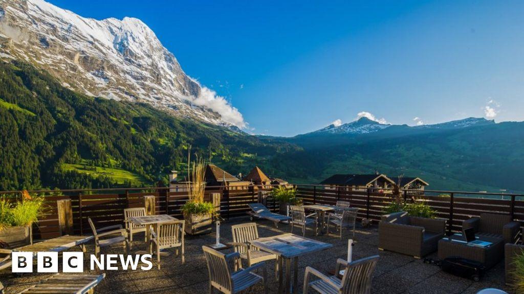Coronavirus: Swiss Alps yearn for the sound of the tourists