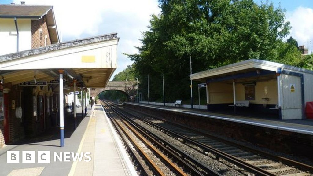 Liphook station: SWR told to provide wheelchair access