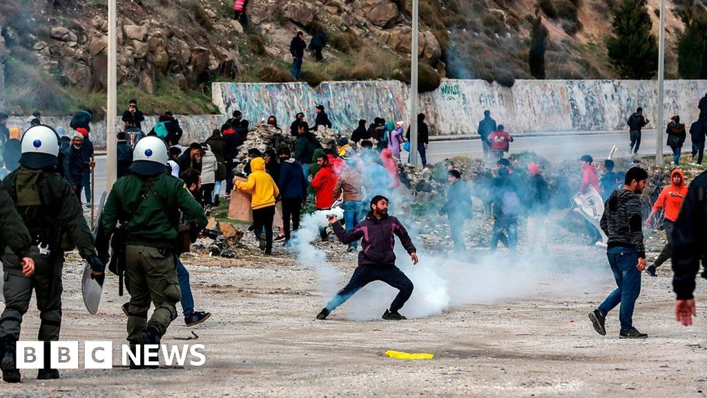 Lesbos: Tear gas fired as migrants hold protest over conditions ...