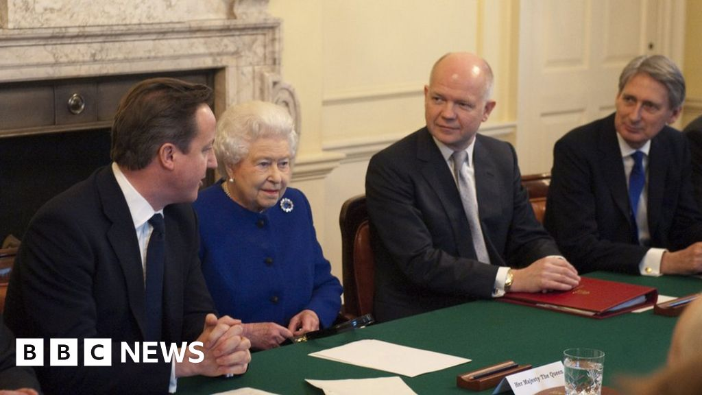 Headlines: EU Brexit offer  hope  and Palace  fury
