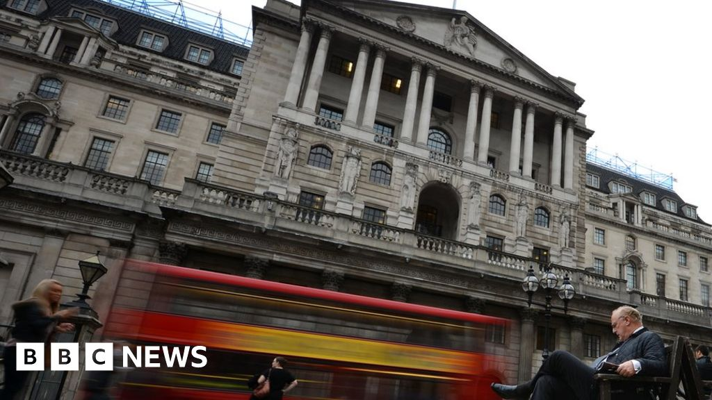 UK interest rates on hold amid Brexit impasse