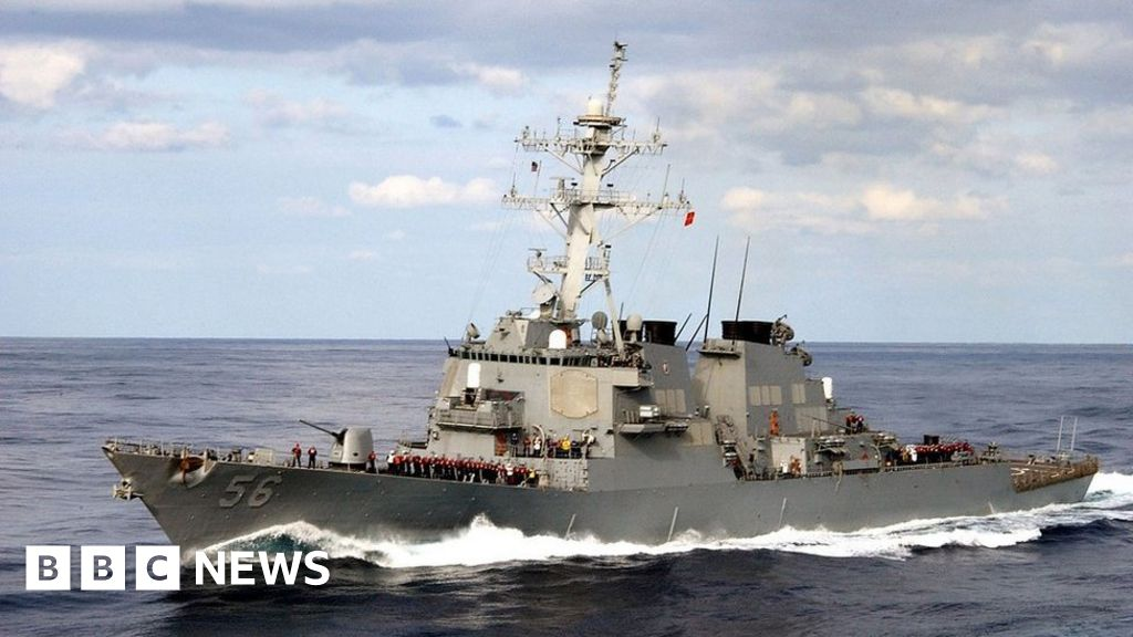 Russia 'threatened to ram' US ship in Sea of Japan