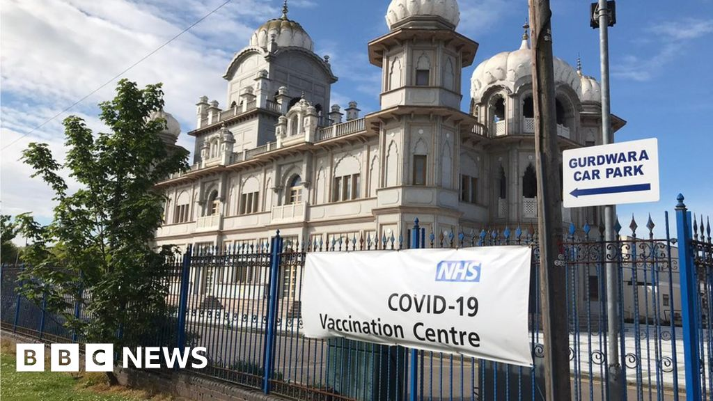 Covid vaccine offered to over 18s at Bedford drop-in centre