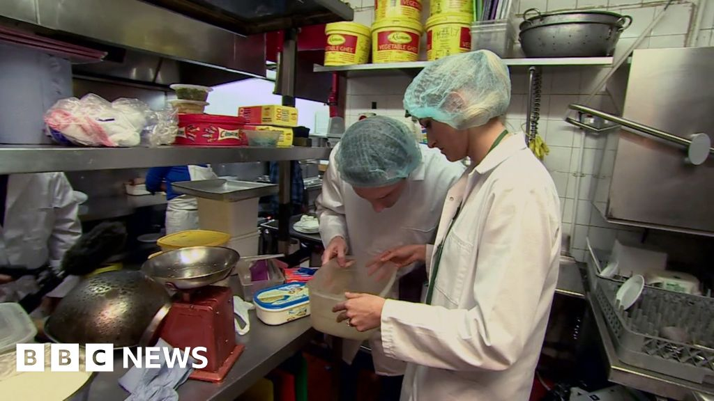 Food trust 'undermined' by delivery firms