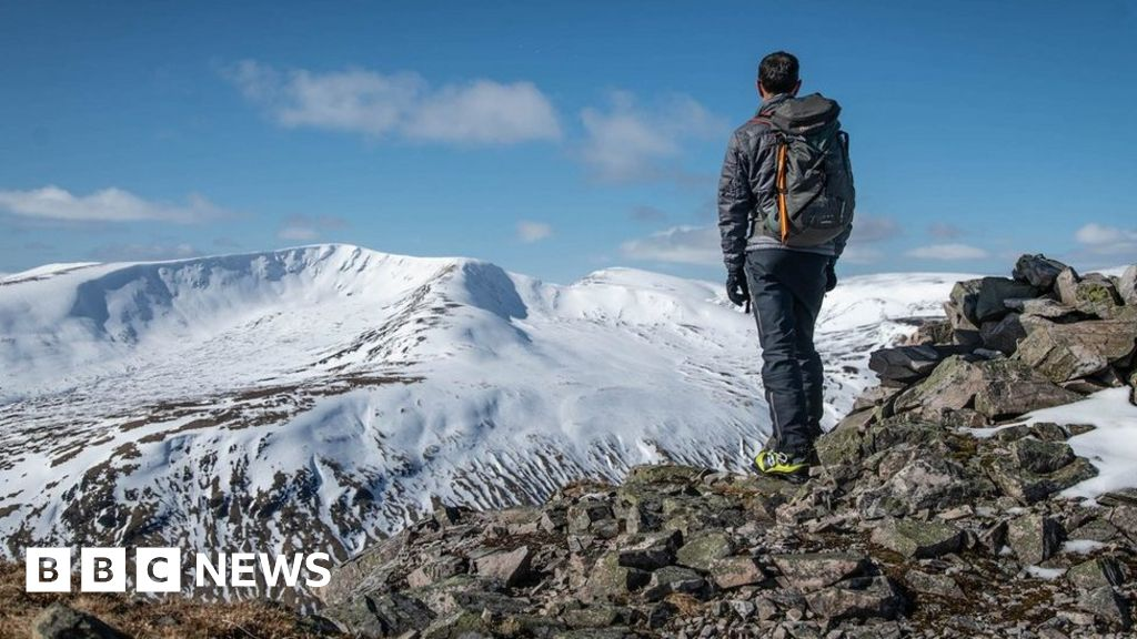 Coronavirus: Patience plea over return to Scotland's hills thumbnail