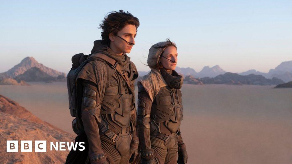 Critics largely lavish praise on Dune remake