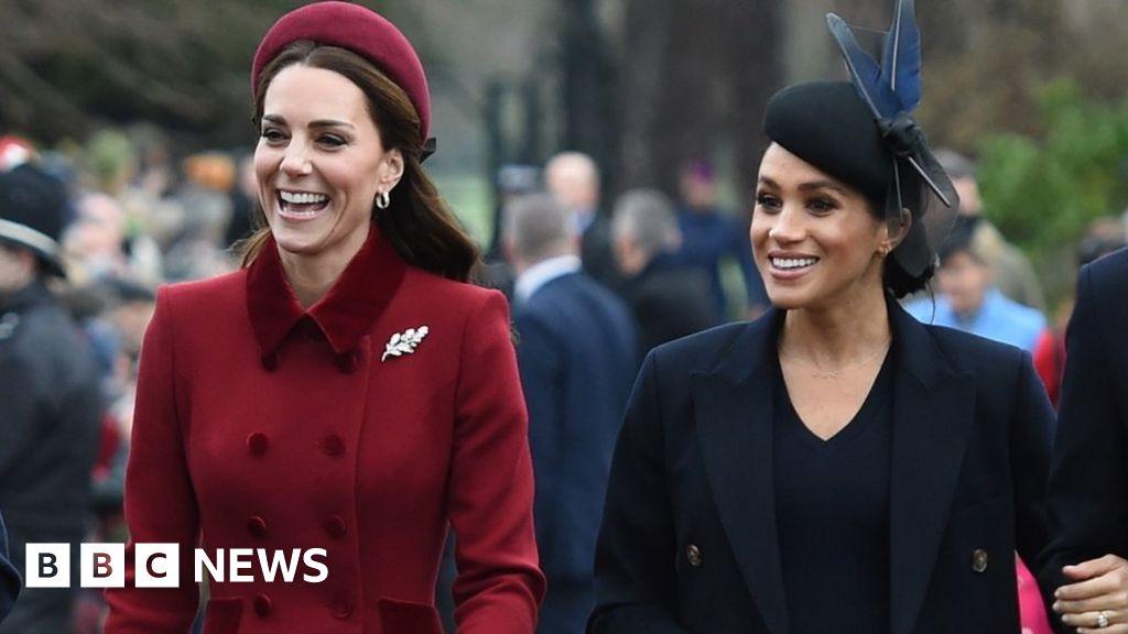 Royal Family to block or report social media trolls - BBC News