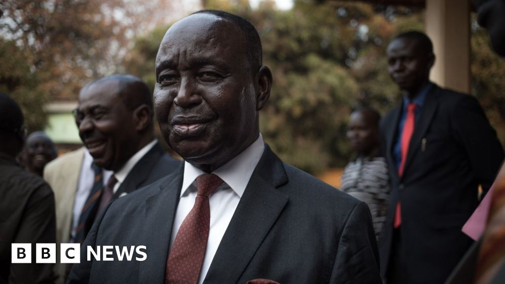 François Bozizé: CAR accuses former president of 'attempted coup'