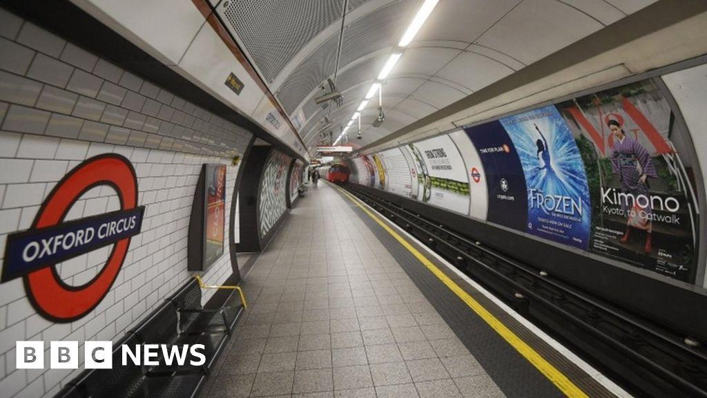 London Underground: Police investigating Tube anti-Semitic chants