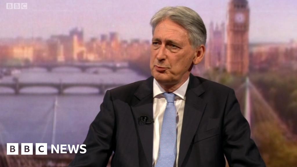 Hammond demands 'genuine' Brexit negotiations