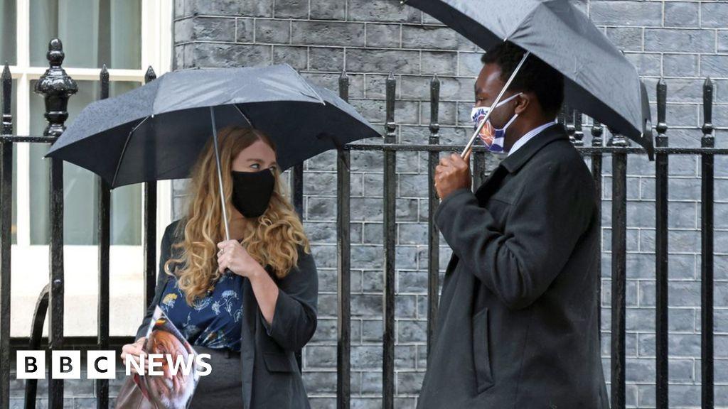 Covid: Bereaved families meet Boris Johnson in No 10