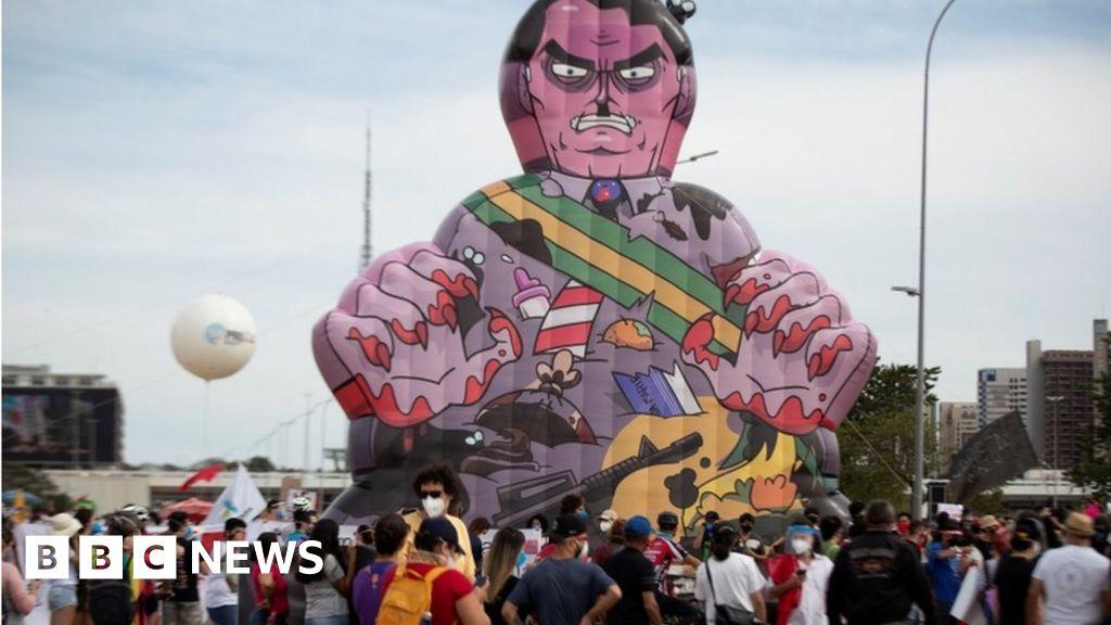Brazil: Protesters blame Bolsonaro for Covid crisis